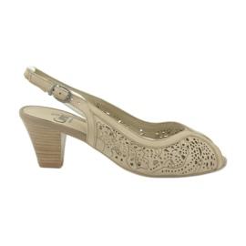 Pantofi pentru femei sandale Caprice 29606 maro
