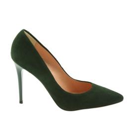 Espinto Pompe pe un Stiletto verde