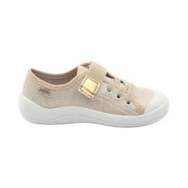 """Papuci pentru fete """"Befado 251x071 gold"""""""