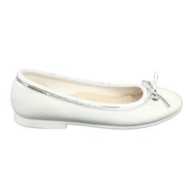 Balerinele cu arcul, cu perle albe American Club GC29 / 19