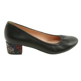 Pompe pentru pantofi din piele pentru femei Arka 5627 negru