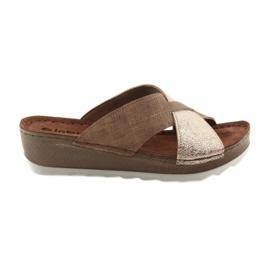 KOMFORT INBLU GX006 papuci de culoare brun / aur