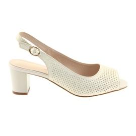 Sandale pe postul lui Sergio Leone 794 zloți galben