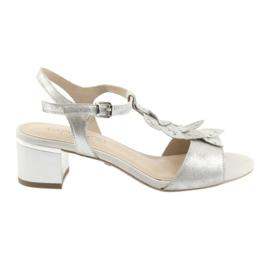 Sandale cu capace de argint Caprice gri