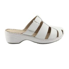 Papuci pentru femei Caprice 27350 alb