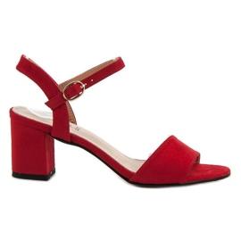 Evento roșu Sandale pe bar