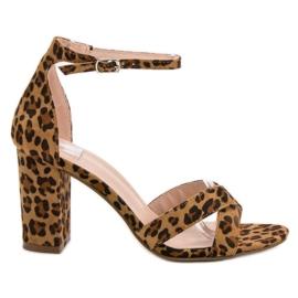Ideal Shoes maro Sandale pe bar