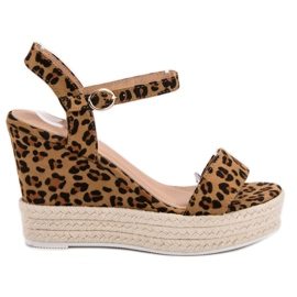 Ideal Shoes maro Sandale elegant pe Wedge