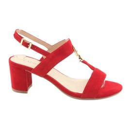 Sandale pe postul roșu Caprice 28303