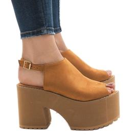 Maro Camel sandale pe o caramida masivă B8290