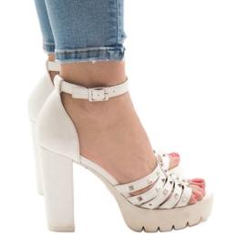 Sandale albe pe postul HQ8682