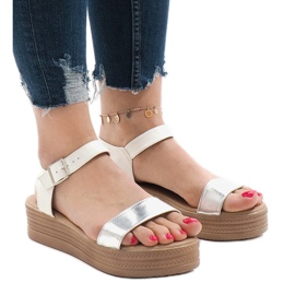 Sandale albe pe platforma 22-07