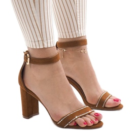 Camasi sandale pe postul A8020 maro