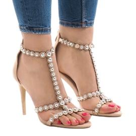 Maro Bebe Sandals on a pin cu 8296-Y bolțuri
