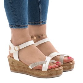 Sandale albe pe platforma WS8816