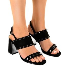 Negru Sandale de piele neagră 6912-GL