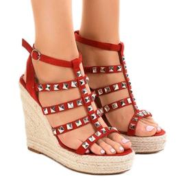 Sandale roșii pe pană de paie 9529 roșu