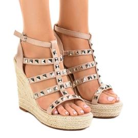 Bej sandale pe pană de paie 9529 maro