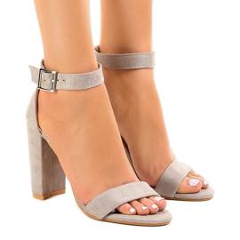 Sandale gri pe post cu cataramă 369-18