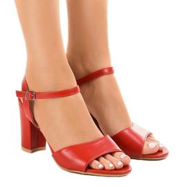 Sandale roșii pe postul expus FZ583 roșu