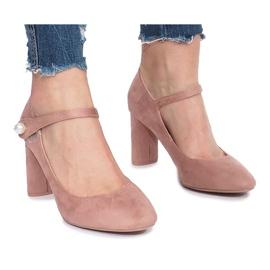Pompe roz pe postul lui Milaya