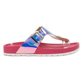 Ideal Shoes roz Flip-flops cu efect Holo