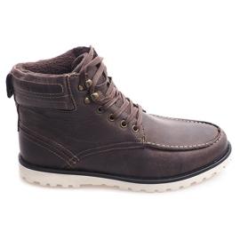Cizme înalte izolate. Pantofi SH26 maro