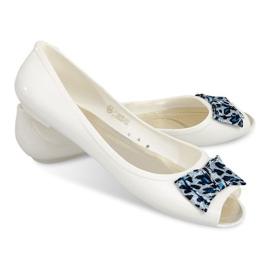Balerine cu sandale deschise cu un vârf 092D alb