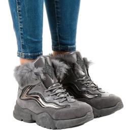 Sneakers gri izolate LS-2062