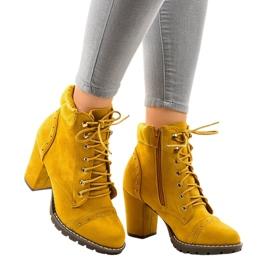 Cizme de piele galbenă din piele 995-31