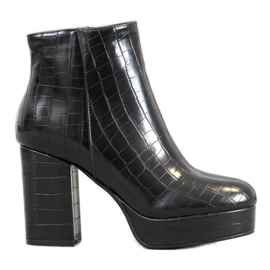 Small Swan Boots On Platform negru