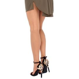Sandale pe un stiletto negru 708-18 Negru 2
