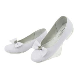 Pompe balerini de comuniune alb Miko 800 3