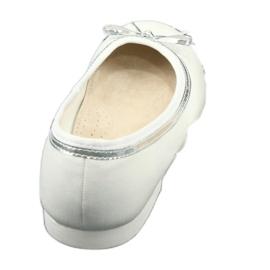Balerinele cu arcul, cu perle albe American Club GC29 / 19 3
