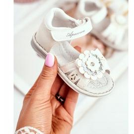 Apawwa Sandale pentru copii cu Velcro Flower White Mino alb multicolor galben 1