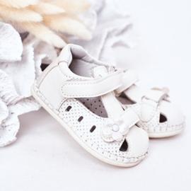 Apawwa Sandale pentru copii cu velcro cu flori albe 3