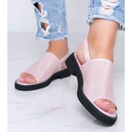 Sandale cu toc plat roz de la Betsy 1