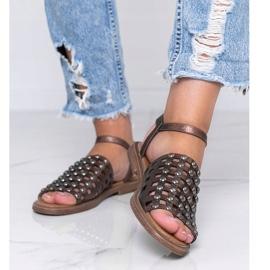 Sandale metalice maro cu știfturi Luxy 1